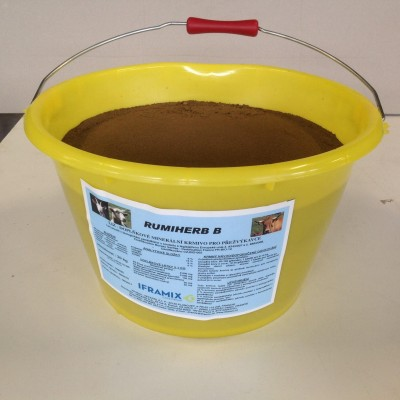 Liz BIO RUMIHERB melasovaný minerální liz v období pastvy s antiparazit.účinky, kbelík 20kg CZ-BIO-002